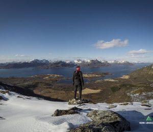 Udsigt over bjergene i Eidsfjorden.