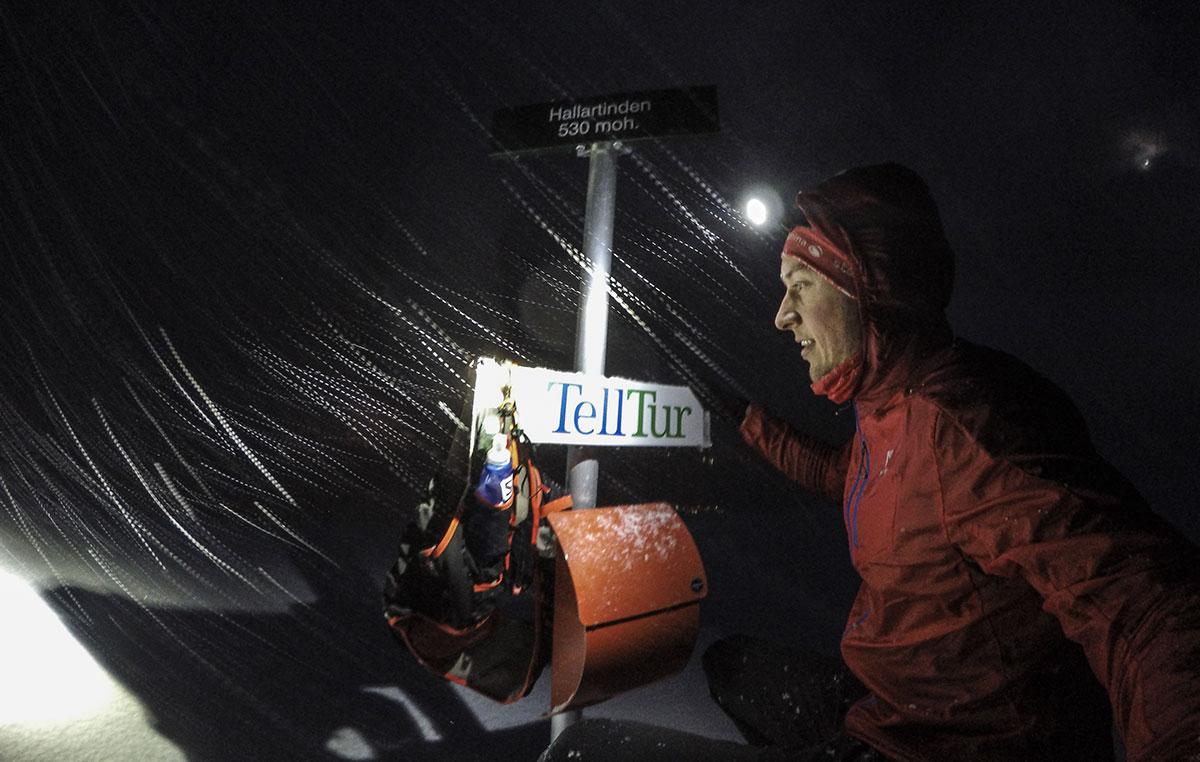 Snevejr på toppen af Hallartinden 530 moh.