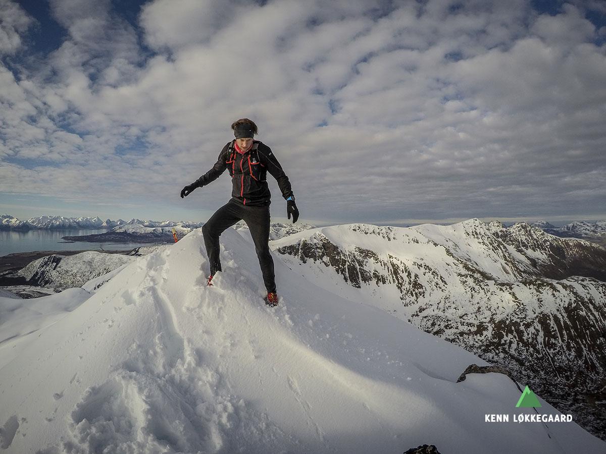 På toppen af Ol-Hansatinden 655 moh.