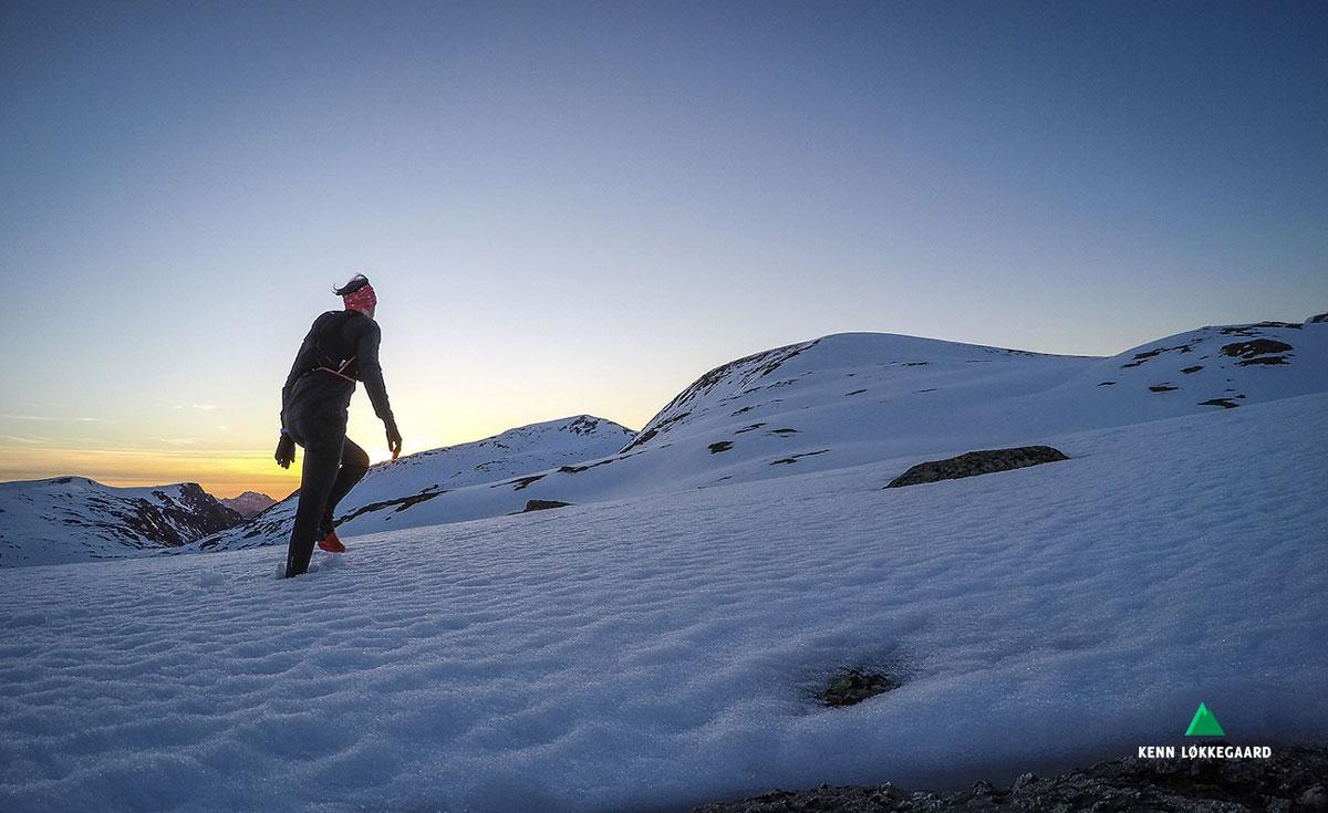 Mot fjelltoppen Storbåtsegga 638 moh.
