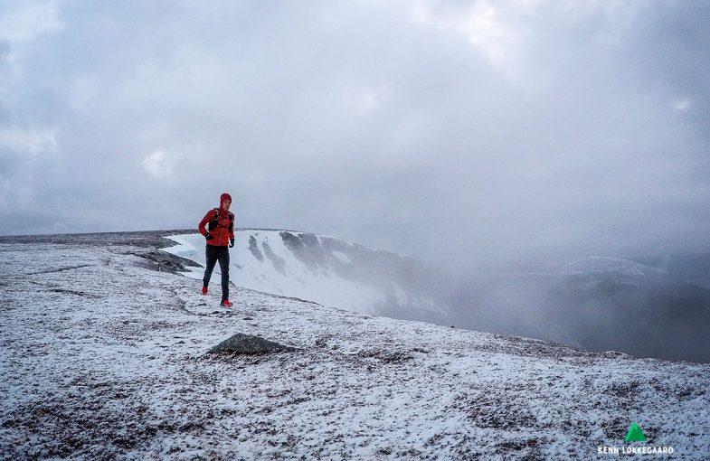 Kenn løper på Vikfjellet i Vesterålen