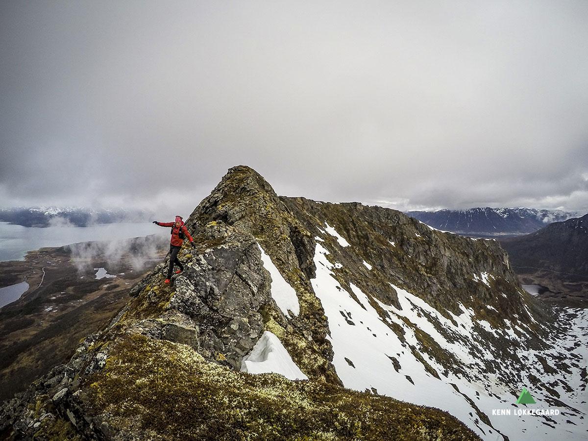 På vei over fjellryggen fra Høgfjellet.