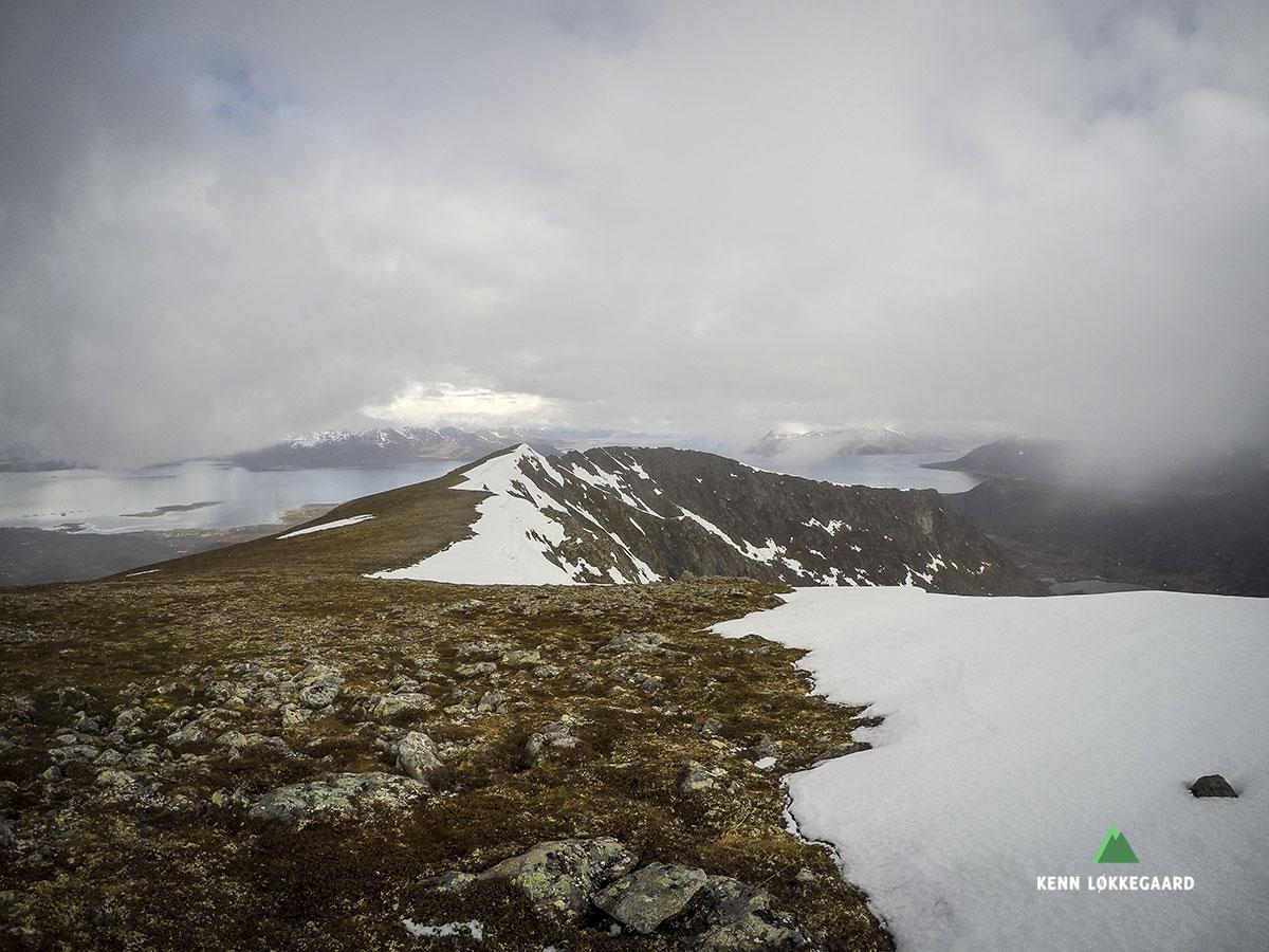 Utsikt til fjellryggen mt Høgfjellet
