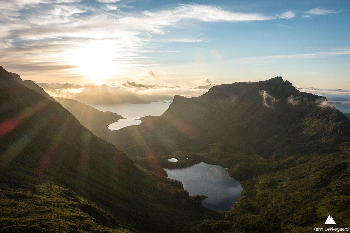 Utsikt ned i Slåttnesdalen - magisk kveld!