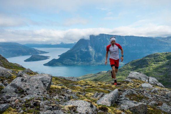 Interval løp på Rundskardet med utsikt til Gullesfjorden.