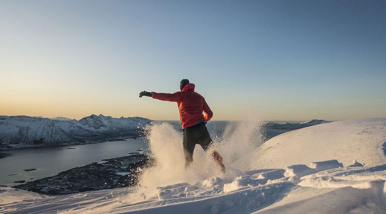 Interval løp i snøen på Hallartinden