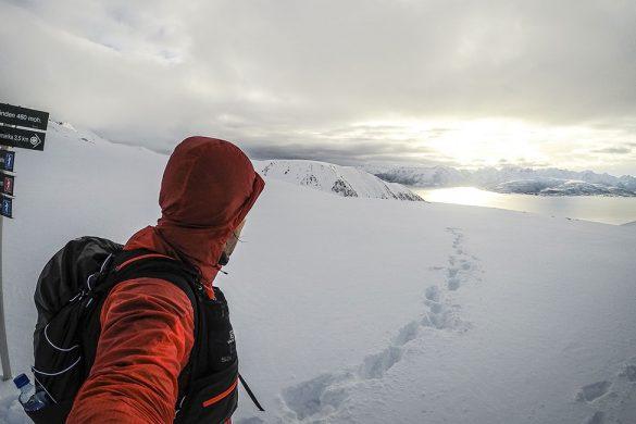 Ser mot Hinnøya fra Lauklitinden
